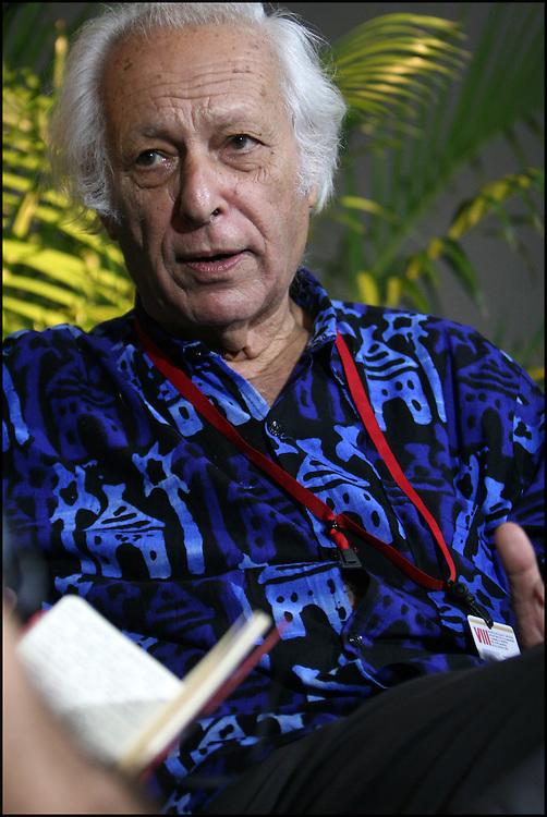 SAMIR AMIN / INTELECTUAL Y ECONOMISTA EGIPCIO<br /> Caracas - Venezuela 2008<br /> (Copyright &copy; Aaron Sosa)<br /> <br /> Samir Amin; Naci&oacute; en El Cairo; 3 de septiembre de 1931, economista egipcio. Es uno de los pensadores neomarxistas m&aacute;s importantes de su generaci&oacute;n. Desarroll&oacute; sus estudios sobre pol&iacute;tica, estad&iacute;stica y econom&iacute;a en Par&iacute;s. En la actualidad reside en Dakar (Senegal).