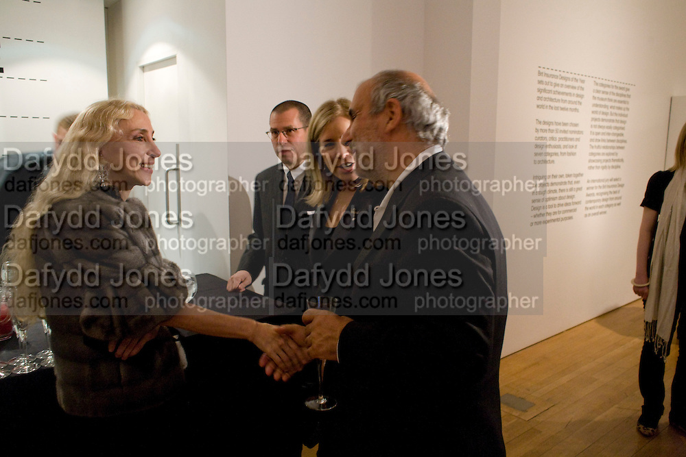 FRANCA SOZZANI. ( SHE WON THE FASHION PRIZE FOR THE ITALIAN VOGUE BLACK ISSUE.)ALAN YENTOB.   , brit Insurance Design Awards 2009. Design Museum. London. 18 March 2009. *** Local Caption *** -DO NOT ARCHIVE-© Copyright Photograph by Dafydd Jones. 248 Clapham Rd. London SW9 0PZ. Tel 0207 820 0771. www.dafjones.com.<br /> FRANCA SOZZANI. ( SHE WON THE FASHION PRIZE FOR THE ITALIAN VOGUE BLACK ISSUE.)ALAN YENTOB.   , brit Insurance Design Awards 2009. Design Museum. London. 18 March 2009.