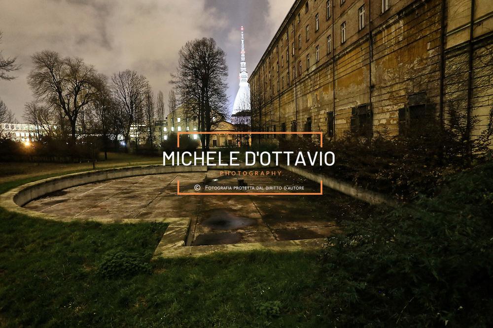 Cavallerizza Reale, un borgo in pieno centro a Torino a due passi dalla Prefettura e dalla Mole Antonelliana, attiguo al Teatro Regio, in inarrestabile degrado.
