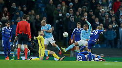 MANCHESTER, ENGLAND - Tuesday, March 15, 2016: Manchester City's goalkeeper Joe Hart saves a shot from FC Dynamo Kyiv's Vitaliy Buyalskiy during the UEFA Champions League Round of 16 2nd Leg match at the City of Manchester Stadium. (Pic by David Rawcliffe/Propaganda)