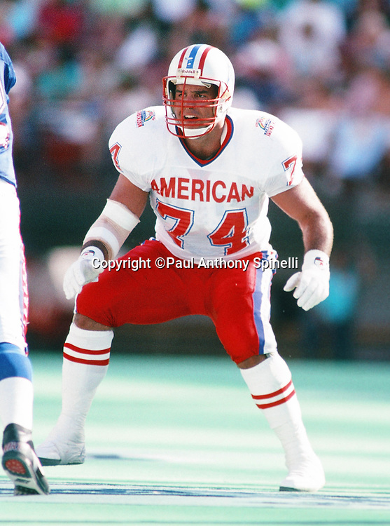 Houston Oilers offensive lineman Bruce Matthews (74) blocks during the 1990 NFL Pro Bowl between the National Football Conference and the American Football Conference on Feb. 4, 1990 in Honolulu. The NFC won the game 27-21. (©Paul Anthony Spinelli)