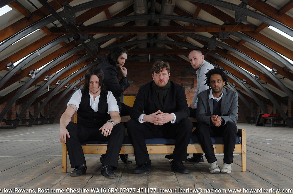 .Photographer: Howard Barlow..ELBOW band picture.l-r  MARK POTTER, CRAIG POTTER, GUY GARVEY, RICHARD JUPP and PETE TURNER