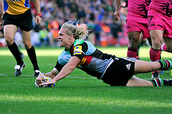 Matt Hopper of Harlequins scores Harlequins' bonus point try - Photo mandatory by-line: Patrick Khachfe/JMP - Mobile: 07966 386802 04/10/2014 - SPORT - RUGBY UNION - London - The Twickenham Stoop - Harlequins v London Welsh - Aviva Premiership