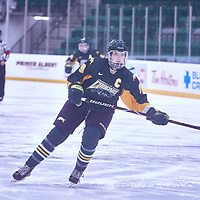 5th year forward, Emma Waldenberger (9) of the Regina Cougars during the Women's Hockey Away Game on Fri Jan 11 at University of Saskatoon. Credit: Arthur Ward/Arthur Images