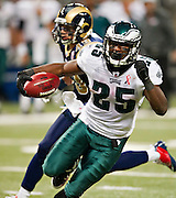 ST. LOUIS, MO - SEPTEMBER 11:   LeSean McCoy #25 of the Philadelphia Eagles runs the ball against the St. Louis Rams at the Edward Jones Dome on September 11, 2011 in St. Louis, Missouri.  The Eagles defeated the Rams 31 to 13.  (Photo by Wesley Hitt/Getty Images) *** Local Caption *** LeSean McCoy