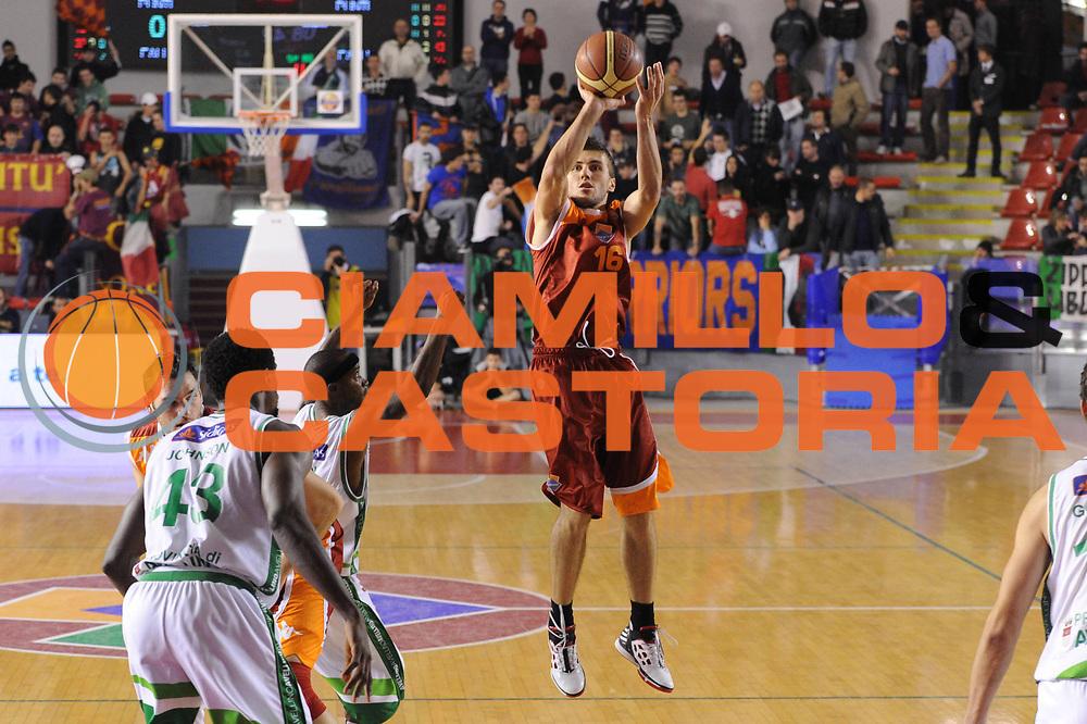 DESCRIZIONE : Roma Lega A 2011-12 Acea Virtus Roma Sidigas Avellino<br /> GIOCATORE : Nemanja Gordic<br /> CATEGORIA : three points<br /> SQUADRA : Acea Virtus Roma<br /> EVENTO : Campionato Lega A 2011-2012<br /> GARA : Acea Virtus Roma Sidigas Avellino<br /> DATA : 18/12/2011<br /> SPORT : Pallacanestro<br /> AUTORE : Agenzia Ciamillo-Castoria/GiulioCiamillo<br /> Galleria : Lega Basket A 2011-2012<br /> Fotonotizia : Roma Lega A 2011-12 Acea Virtus Roma Sidigas Avellino<br /> Predefinita :