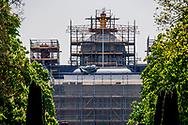 DEN HAAG - Paleis Huis ten Bosch staat in de steigers wegens een verbouwing. Het paleis wordt in een keer verbouwd voor een bedrag van 59 miljoen euro.