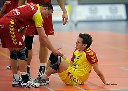 12-02-2011 VOLLEYBAL: AB GRONINGEN/LYCURGUS - DRAISMA DYNAMO: GRONINGEN<br /> In een bomvol Alfa-college Sportcentrum werd Dynamo met 3-2 (25-27, 23-25, 25-19, 25-23 en 16-14) verslagen door Lycurgus / Kramp voor Dirk Sparidans<br /> ©2011-WWW.FOTOHOOGENDOORN.NL