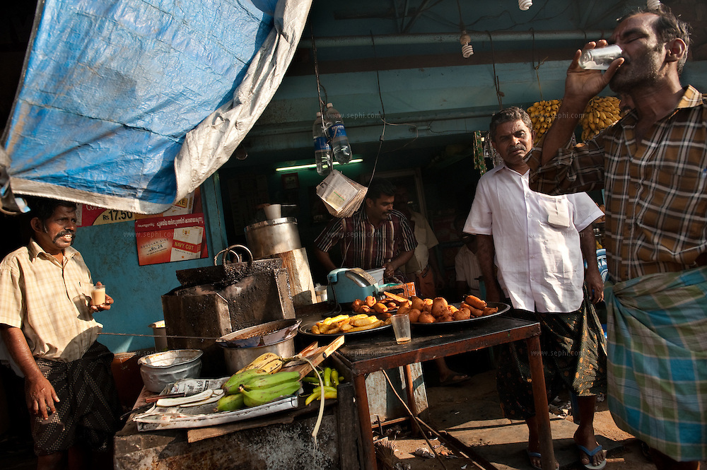 a fast food stall at Walayar crossing between the state of Kerala and Tamil Nadu