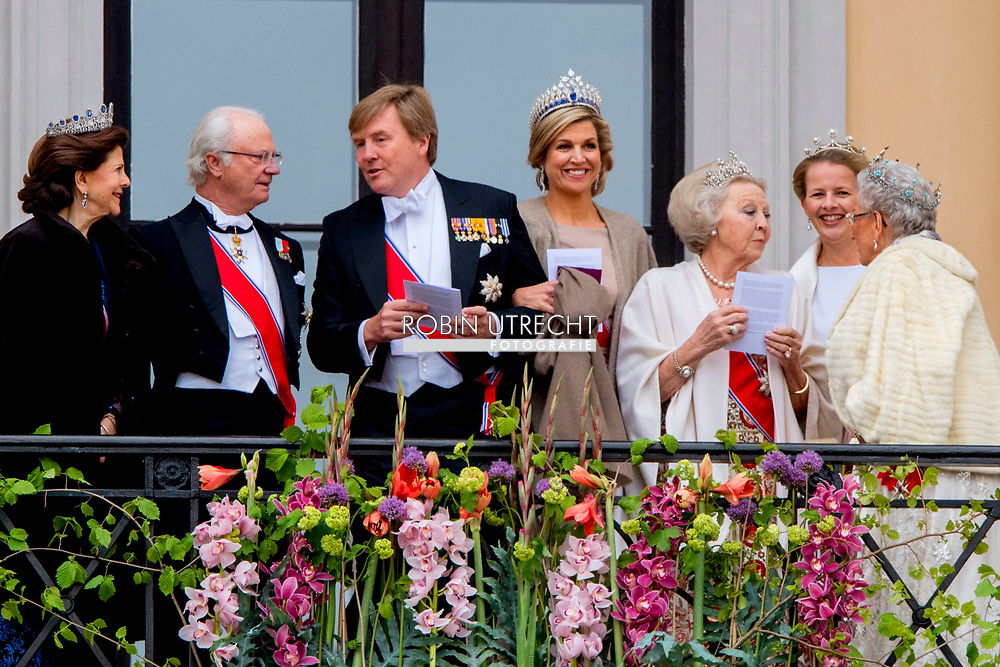 9-5-2017 OSLO NORWAY - Their Majesties The King Harald and Queen Sonja greet people the Palace Square from the Palace Balcony. Many of their Royal guests will also be in attendance celebrations of king Harald birthday  Norway<br /> Prince Haakon and Crown Princess Mette-Marit Princess M&auml;rtha Louise Princess Astrid H.M. Queen Margrethe II  Crown Prince Frederik and Crown Princess Mary Prince Joachim and Princess Marie  King Carl XVI Gustaf and Queen Silvia Crown Princess Victoria and Prince Daniel Prince Carl Philip and Princess Sofia<br /> Grand Duke Herri and and Grand Duchess Maria-Teresa Archduke Duke Guillaume and Arvestor Duchess St&eacute;phanie H.F.H. First Albert II King Willem-Alexander and Queen Maxima Princess Beatrix of the Netherlands Prince Constantijn of the Netherlands Princess Mabel of Oranje-Nassau King Philippe and Queen Mathilde COPYRIGHT ROBIN UTRECHT<br /> <br /> 9-5-2017 OSLO NOORWEGEN - Hun Majesteiten De Koning Harald en Koningin Sonja begroeten mensen het Paleisplein van het Paleis Balkon. Veel van hun Koninklijke gasten zullen ook aanwezig zijn op feesten van koning Harald verjaardag Noorwegen<br /> Prins Haakon en Kroonprinses Mette-Marit Prinses M&auml;rtha Louise Prinses Astrid H.M. Koningin Margrethe II Kroonprins Frederik en Kroonprinses Mary Prins Joachim en Prinses Marie Koning Carl XVI Gustaf en Koningin Silvia Kroonprinses Victoria en Prins Daniel Prins Carl Philip en Prinses Sofia<br /> Groothertog Herri en Groot Hertogin Maria-Teresa Aartshertog Duke Guillaume en Arvestor Duchess St&eacute;phanie H.F.H. Eerste Albert II Koning Willem-Alexander en Koningin Maxima Prinses Beatrix van de Prins Constantijn van Nederland Prinses Mabel van Oranje-Nassau Koning Philippe en Koningin Mathilde COPYRIGHT ROBIN UTRECHT