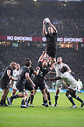 Twickenham, United Kingdom, Saturday, 10th  November 2018, RFU, Rugby, Stadium, England,  Brody  RETALLICK, wins the line out during the, Quilter, Autumn International, England vs New Zealand © Peter Spurrier