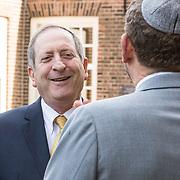 NLD/Amsterdam/20180417 - Koning bij opening tentoonstelling Joden en het Huis van Oranje, Z.E. dhr. Aviv Shir-On