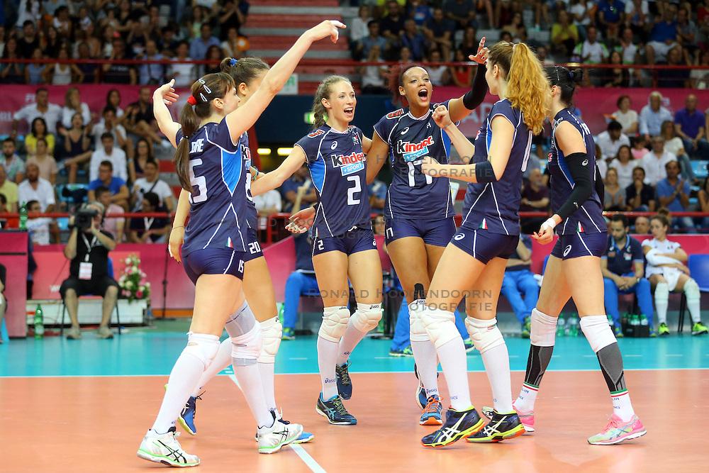 18-06-2016 ITA: World Grand Prix Italie - Nederland, Bari<br /> Nederland wint opnieuw van Italie, het ging moeizaam maar de 3-1 winst was genoeg / Ofelia Malinov, Valentina Diouf #17 of Italie<br /> <br /> ***NETHERLANDS ONLY***