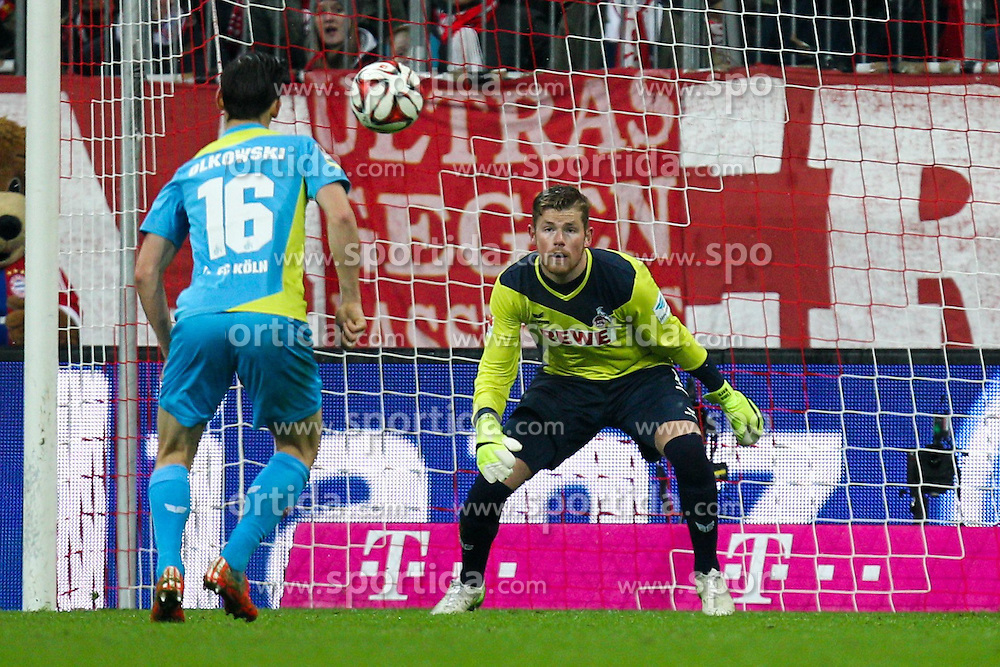 27.02.2015, Allianz Arena, Muenchen, GER, 1. FBL, FC Bayern Muenchen vs 1. FC K&ouml;ln, 23. Runde, im Bild l-r: Pawel Olkowski #16 (1. FC Koeln) und Timo Horn #1 (1. FC Koeln) // during the German Bundesliga 23rd round match between FC Bayern Munich and 1. FC K&ouml;ln at the Allianz Arena in Muenchen, Germany on 2015/02/27. EXPA Pictures &copy; 2015, PhotoCredit: EXPA/ Eibner-Pressefoto/ EXPA/ Kolbert<br /> <br /> *****ATTENTION - OUT of GER*****