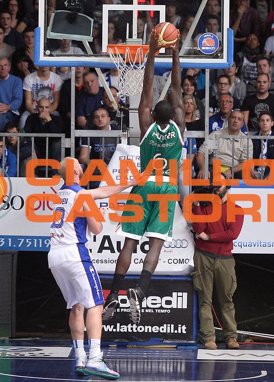 DESCRIZIONE : Cantu' campionato serie A 2013/14 Acqua Vitasnella Cantu' Montepaschi Siena<br /> GIOCATORE : Othello Hunter<br /> CATEGORIA : controcampo schiacciata<br /> SQUADRA : Montepaschi Siena<br /> EVENTO : Campionato serie A 2013/14<br /> GARA : Acqua Vitasnella Cantu' Montepaschi Siena<br /> DATA : 24/11/2013<br /> SPORT : Pallacanestro <br /> AUTORE : Agenzia Ciamillo-Castoria/R.Morgano<br /> Galleria : Lega Basket A 2013-2014  <br /> Fotonotizia : Cantu' campionato serie A 2013/14 Acqua Vitasnella Cantu' Montepaschi Siena<br /> Predefinita :