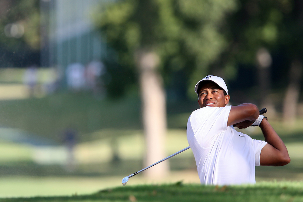 10 August 2007: Tiger Woods drives out of the sandtrap on the 16th fairway during the second round of the 89th PGA Championship at Southern Hills Country Club in Tulsa, OK.