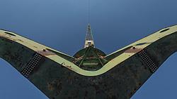 Zürich Transit Maritim (Eigenschreibweise «zürich transit maritim») ist eine temporäre Kunst-Installation von 2009 bis 2015 mit dem Höhepunkt eines Hafenfestes im Juni 2014. Die Installation umfasst typische Gegenstände von Hafenstädten. Fünf Poller wurden entlang des Limmatquai im Jahr 2009 aufgestellt. Das Herzstück der Ausstellung bildet ein Hafenkran, der im April 2014 in Zürich errichtet worden ist. Das Kunstprojekt hat schon Jahre vor seiner Realisierung grosse öffentliche Auseinandersetzungen produziert.<br /> <br /> Zürich Transit Maritim wurde vom Künstler Jan Morgenthaler, der Bildhauerin Barbara Roth, dem Künstler Martin Senn und der Architektin und Designerin Fariba Sepehrnia entworfen.