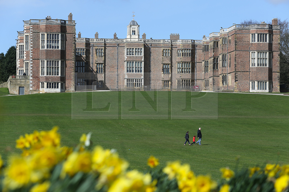 © Licensed to London News Pictures. 06/04/2016. Leeds, UK. People enjoy the spring sunshine and flowers at Temple Newsam in Leeds, West Yorkshire. The  Tudor-Jacobean house which lies just outside Leeds is popular with day trippers and families. Photo credit : Ian Hinchliffe/LNP