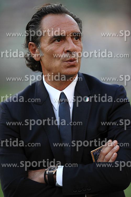 """Cesare PRANDELLI Allenatore Italia.BAri 10/8/2011 Stadio """"San Nicola"""".Football / Calcio Friendly Match.Italia Vs Spagna / Italy Vs Spain. EXPA Pictures © 2011, PhotoCredit: EXPA/ InsideFoto/ Andrea Staccioli +++++ ATTENTION - FOR AUSTRIA/AUT, SLOVENIA/SLO, SERBIA/SRB an CROATIA/CRO CLIENT ONLY +++++"""