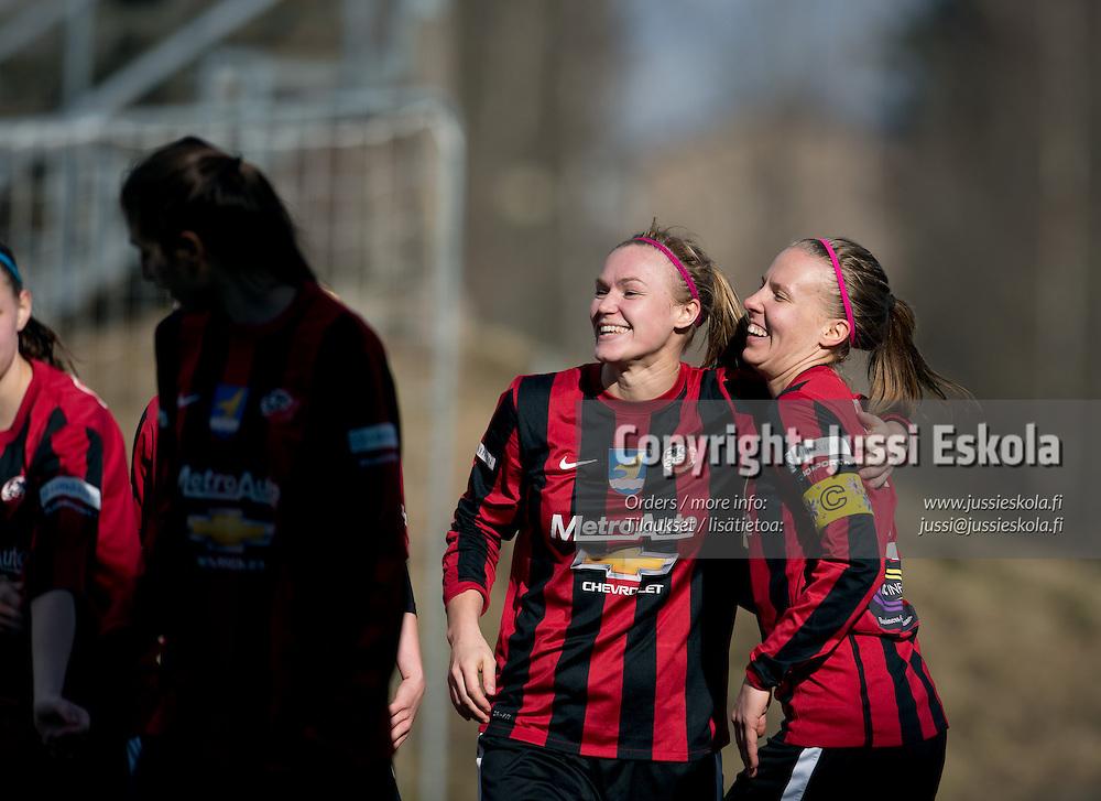 2-0, maalintekijä Heidi Kivelä (vas), oik. Pirjo Leppikangas. PK-35 - Pallokissat, Naisten Liiga, Vantaa 27.4.2013. Photo: Jussi Eskola