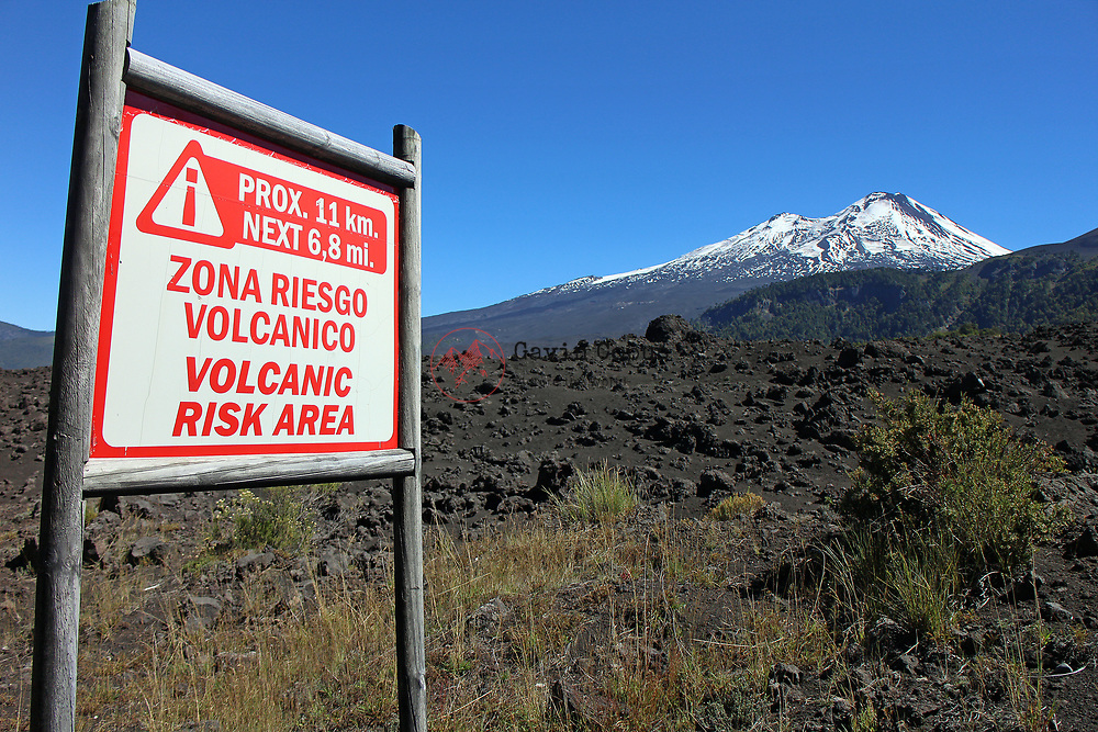 Volcanic Risk Area, zona riesgo volc&aacute;nico, Volcano llaima, Conguill&iacute;o National Park, <br />