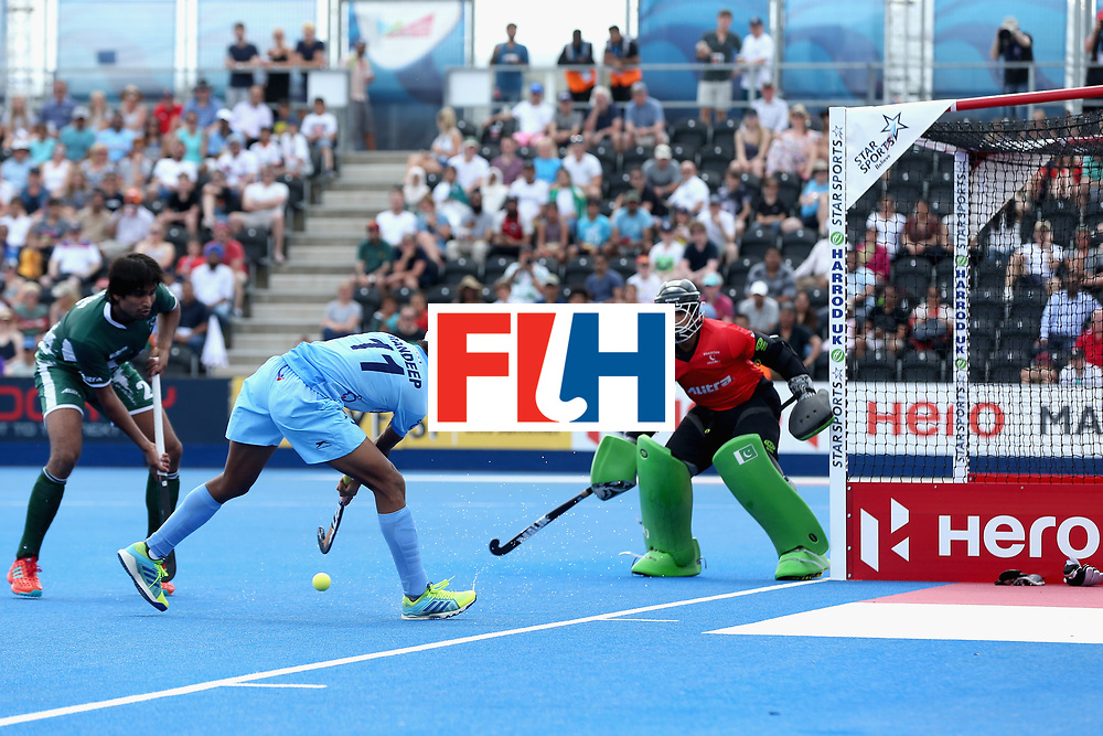 LONDON, ENGLAND - JUNE 18: Mandeep Singh of India crosses the ball during the Hero Hockey World League Semi Final match between Pakistan and India at Lee Valley Hockey and Tennis Centre on June 18, 2017 in London, England.  (Photo by Alex Morton/Getty Images)