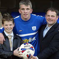 St Johnstone v Newcastle Utd Jim Weir Testimonial..08.05.04  <br />