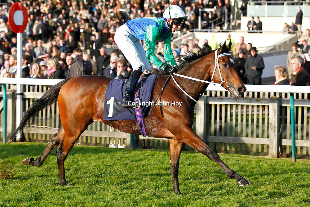 Mull Of Killough and George Baker winning the 3.05 race