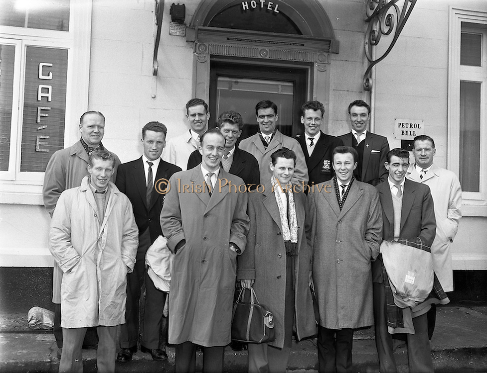 12/04/1960<br /> 04/12/1960<br /> 12 April 1960<br /> The Irish Football League team to play the League of Ireland team at Dalymount Park arriving at their hotel, the Great Northern Hotel, Amiens Street, Dublin.  J. Mc Alunden, Team manager is on extreme right.
