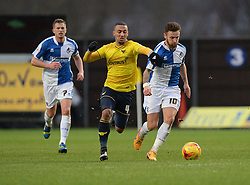 Kemar Roofe of Oxford United Battles for the ball with Matt Taylor of Bristol Rovers - Mandatory byline: Alex James/JMP - 17/01/2016 - FOOTBALL - The Kassam Stadium - Oxford, England - Oxford United v Bristol Rovers - Sky Bet League Two