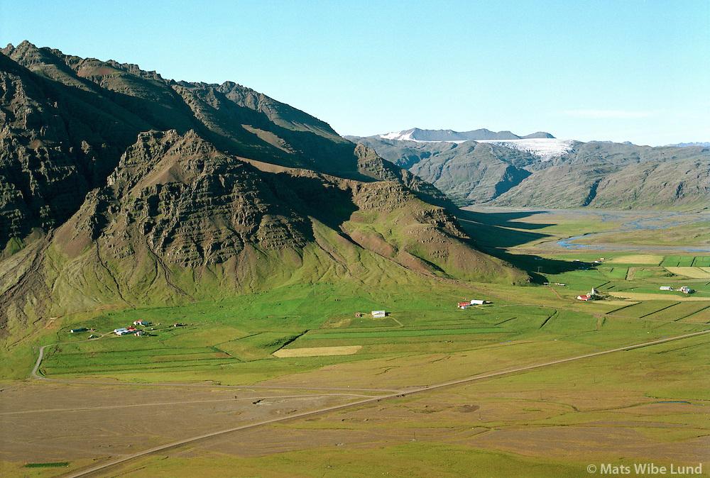Kálfafell, Leiti, Jaðar og Hrollaugsstaðir séð til norðurs, Borgarhafnarhreppur /   Kalfafell, Leiti, Jadar and Hrollaugsstadir viewing north, Borgarhafnarhreppur. - -  New name of the county:  Sveitarfélagið Hornafjörður /  Sveitarfelagid Hornafjordur.
