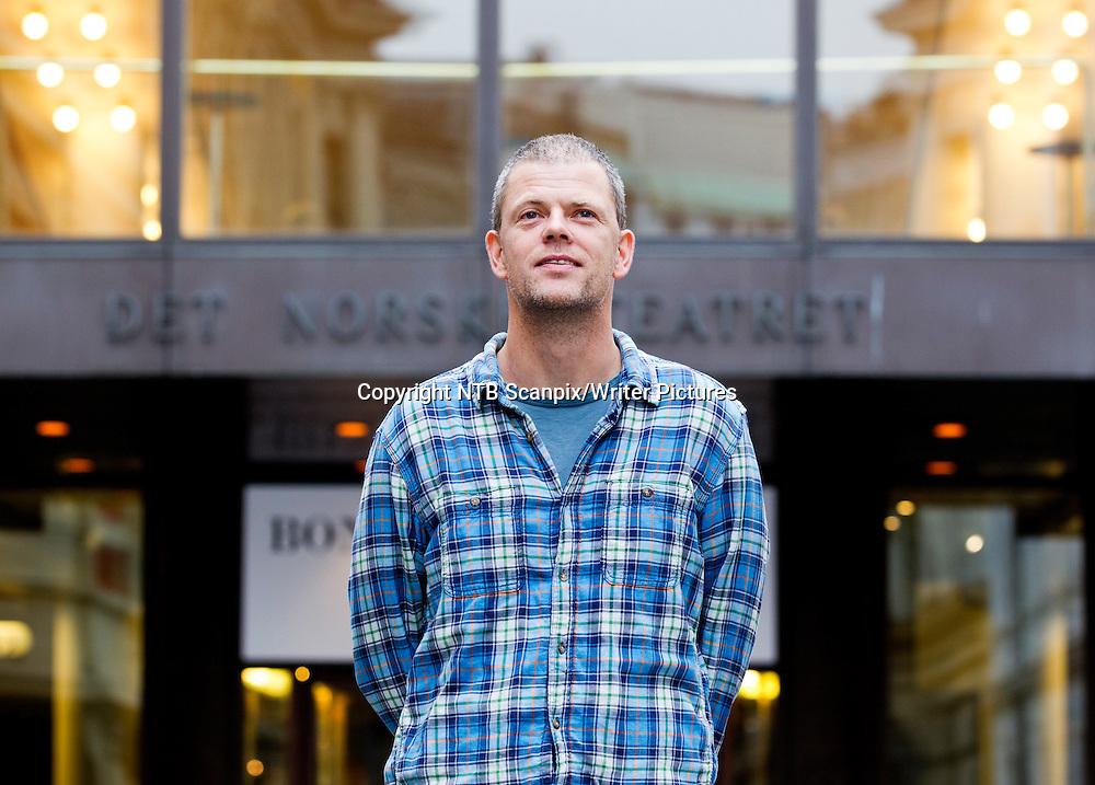 OSLO  20111025. Forfatter Are Kalv&macr; har skrevet en Opera om fotballkampen der Norge slo Brasil 2-1 i VM i fotball i 1998. Kalv&macr;s opera inng&Acirc;r i Det Norske Teatrets program for 2012.  Teateret presenterte tirsdag sitt program for 2012<br /> Foto: Cornelius Poppe / SCANPIX<br /> <br /> NTB Scanpix/Writer Pictures<br /> <br /> WORLD RIGHTS, DIRECT SALES ONLY, NO AGENCY