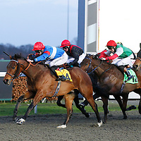 Icy Blue and George Chaloner winning the 4.30 race