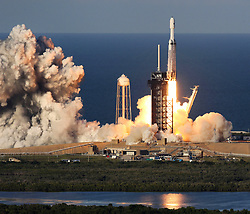 """A SpaceX Falcon 9 Heavy rocket launches at 6:35 PM from Complex 39A at the Kennedy Space Center, Florida on April 10. 2019. This is the first commercial launch of the """"Heavy"""" which is boosting the Arabsat 6 Satellite. The spacecraft will provide KU and KA Band service to the Middle East and North Africa. Photo by Joe Burbank/Orlando Sentinel/TNS/ABACAPRESS.COM"""