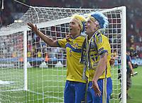 FUSSBALL: UEFA  U21-EUROPAMEISTERSCHAFT  2015  FINALE Schweden - Portugal     30.06.2015  Schweden ist Europameister: Ludwig Augustinsson (li) und John Guidetti (re, beide Schweden)  bejubeln den Sieg ueber Portugal