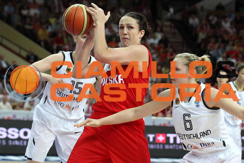 DESCRIZIONE : Katowice Poland Polonia Eurobasket Women 2011 Round 1 Germania Polonia Germany Poland<br /> GIOCATORE : Ewelina Kobryn<br /> SQUADRA : Poland Polonia<br /> EVENTO : Eurobasket Women 2011 Campionati Europei Donne 2011<br /> GARA : Germania Polonia Germany Poland<br /> DATA : 19/06/2011<br /> CATEGORIA : <br /> SPORT : Pallacanestro <br /> AUTORE : Agenzia Ciamillo-Castoria/E.Castoria<br /> Galleria : Eurobasket Women 2011<br /> Fotonotizia : Katowice Poland Polonia Eurobasket Women 2011 Round 1 Germania Polonia Germany Poland<br /> Predefinita :