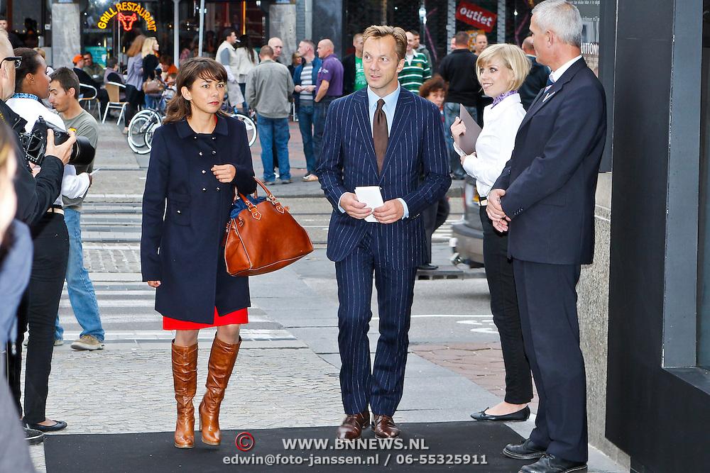 NLD/Amsterdam/20100901 - Opening Louis Vuitton instore in de Bijenkorf, Mei Li Vos en ......
