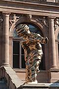 Bronze Skulptur Großer Geist von Thomas Schütte, Neues Museum, Weimar, Thüringen, Deutschland   bronze sculpture Grosser Geist,  New Museum, Weimar, Thuringia, Germany
