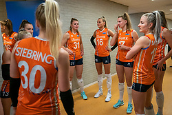 30-05-2019 NED: Volleyball Nations League Netherlands - Poland, Apeldoorn<br /> Eline Timmerman #31 of Netherlands, Indy Baijens #16 of Netherlands, Nicole Oude Luttikhuis #17 of Netherlands, Marrit Jasper #18 of Netherlands