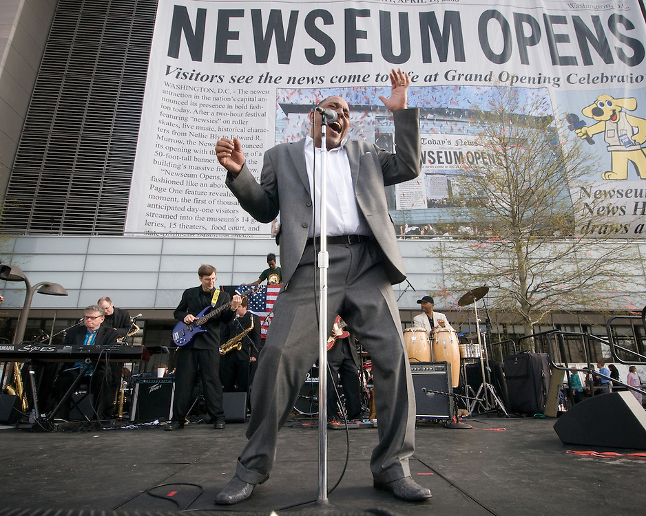 Performer singing at the Newseum Grand opening in Washington DC