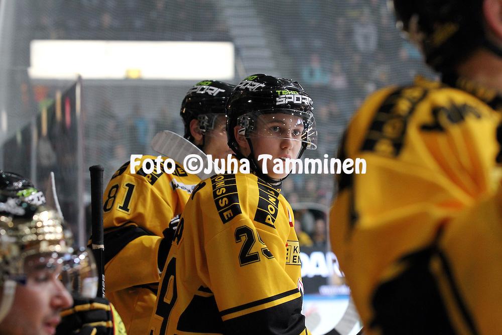 15.10.2014, Hakamets&auml;n halli, Tampere..<br /> J&auml;&auml;kiekon SM-liiga 2014-15. Ilves - KalPa.<br /> Joona Harjama - KalPa