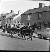 The Ballinasloe Horse Fair Tinker King.  .03.10.1960 Mary Ward Holding Rains Margarett Ward behind