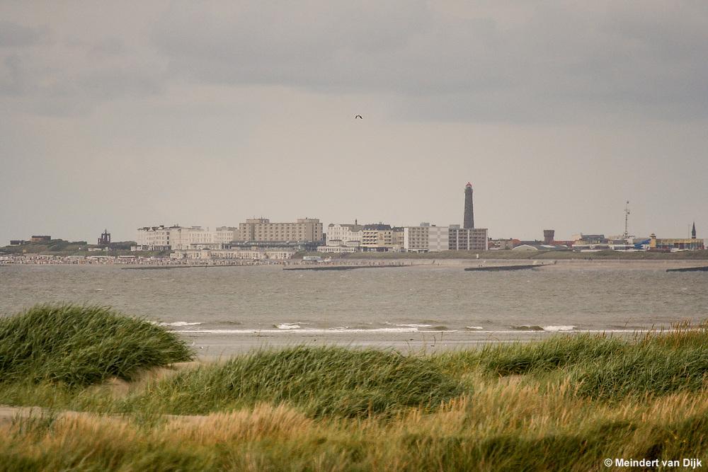 Waddeneiland Borkum, gezien vanaf Rottumeroog (tijdens excursie Rottumeroog)