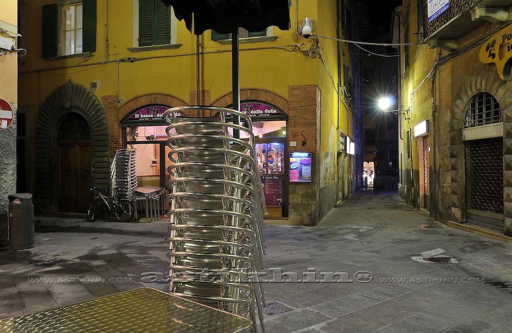 Night on Pisa street
