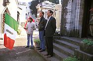 Roma 27 Ottobre 1996..Adriano Tilgher e Antonio Lucarelli commemorano i martiri fascisti della Marcia su Roma al Mausoleo del Cimitero Verano..Rome 27 October 1996.Adriano Tilgher and Anthony Lucarelli commemorate the fascist martyrs of the March on Rome to the Mausoleum of the Cemetery Verano..