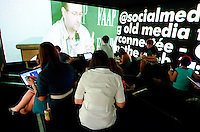 Faculdades Faap, S&atilde;o Paulo, SP - Edi&ccedil;&atilde;o 2011 do evento Social Media Week no pr&eacute;dio de comunica&ccedil;&aring;o da Faap. Foto: Daniel De&aacute;k<br /> Faap college, S&atilde;o Paulo, SP &ndash; 2011 edition of the Social Media Week event at the communication building of Faap college. Photo: Daniel De&aacute;k