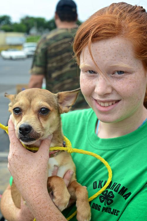 Creek County 4-H Dog Club conducting a free flea dip for ...