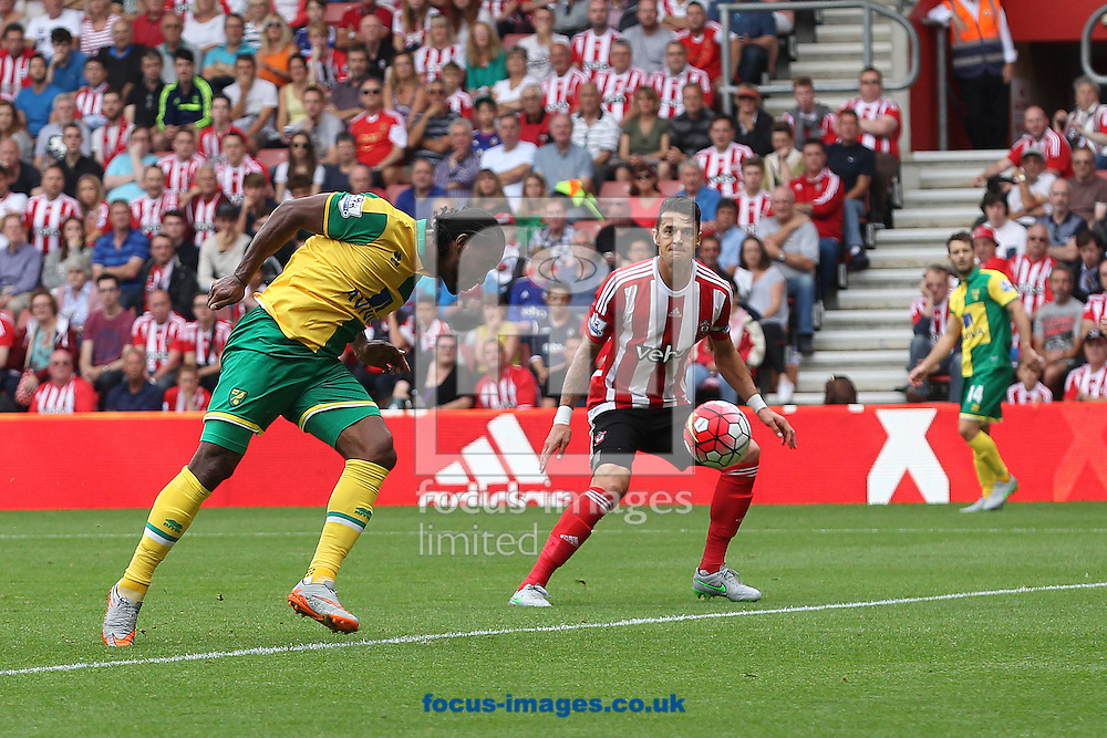 Cameron Jerome of Norwich misses a great chance during the Barclays Premier League match at the St Mary's Stadium, Southampton<br /> Picture by Paul Chesterton/Focus Images Ltd +44 7904 640267<br /> 30/08/2015