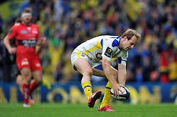 Nick Abendanon of Clermont Auvergne scores a try in the second half - Photo mandatory by-line: Patrick Khachfe/JMP - Mobile: 07966 386802 02/05/2015 - SPORT - RUGBY UNION - London - Twickenham Stadium - ASM Clermont Auvergne v RC Toulon - European Rugby Champions Cup Final