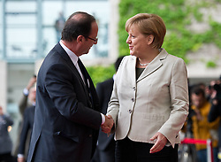 Bildnummer: 57991878..Chancellor Angela Merkel and Franois Grard Georges Nicolas Hollande Visit and Reception with military Honor the French Presidents in Federal Chancellery in Berlin Germany, Tuesday May 15, 2012.Sven Simon/imago/ i-Images